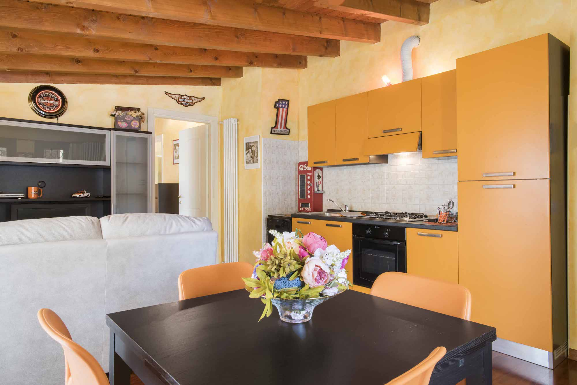 zona-pranzo-appartamento-andromeda-residenza-chiaralba
