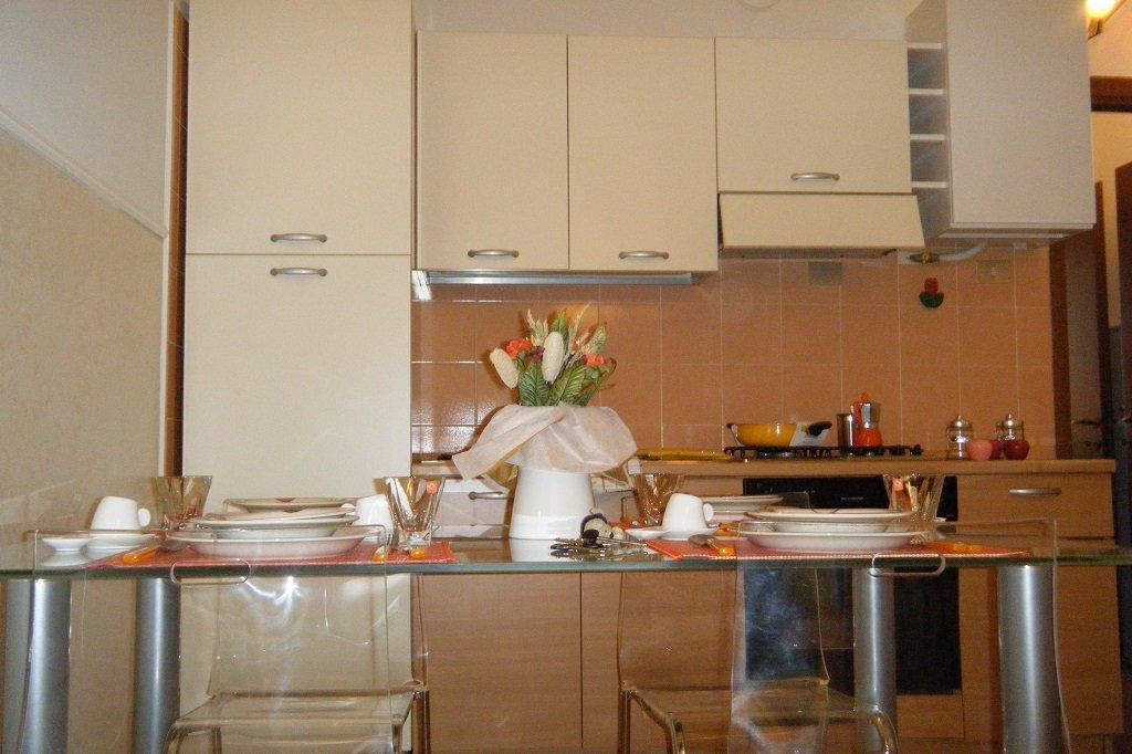bilocale chiaralba pegasus cucina